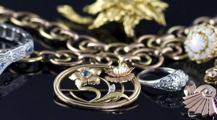 Why Antique Jewelry Never Loses Its Charm & Popularity